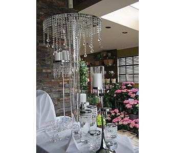 Crystal Table Rentals in Kingston ON, Pam's Flower Garden