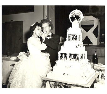 Ray & Toni''s Wedding Cake in Ellicott City MD, Raimondi's Weddings
