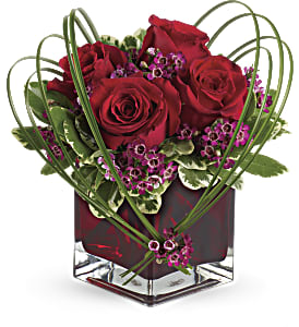 Teleflora's Sweet Thoughts Bouquet with Red Roses in Brownsburg IN, Queen Anne's Lace Flowers & Gifts