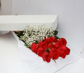 12 Roses Boxed (Red) in Waltham MA, Waltham's Florist