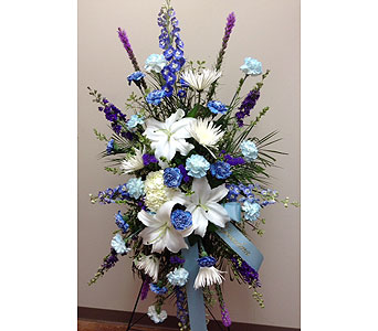 Tranquil Blues Standing Spray in Brownsburg IN, Queen Anne's Lace Flowers & Gifts