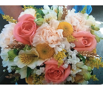 Prom Flowers in Moon Township PA, Chris Puhlman Flowers & Gifts Inc.