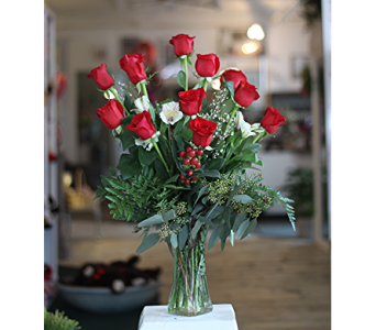 Cupid's Dozen in Macon GA, Lawrence Mayer Florist