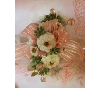 Corsage in Moon Township PA, Chris Puhlman Flowers & Gifts Inc.
