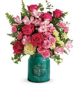 Teleflora's Country Beauty Bouquet in Tampa FL, A Special Rose Florist