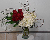 Sweet Thing in Dallas TX, Petals & Stems Florist