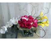 Topsy Turvy in Dallas TX, Petals & Stems Florist