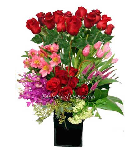 Rosy Garden Flower Bouquet in Santa Monica CA, Edelweiss Flower Boutique