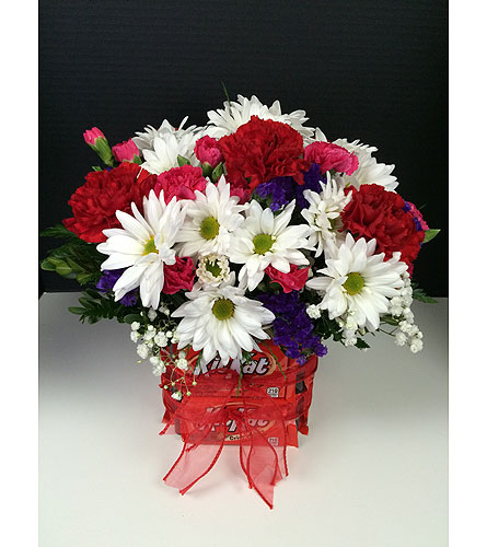 Kit Kat in Moon Township PA, Chris Puhlman Flowers & Gifts Inc.